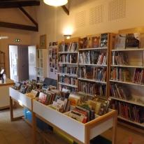 La bibliothèque, Donnezac