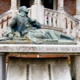 Monument aux Morts Donnezac